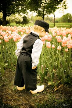 ae5b93f1058d619d3acaaf710bdfb773--cute-little-boys-holland-netherlands