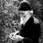 Љубовта ги отстранува растојанијата – Старец Пајсиј Светогорец